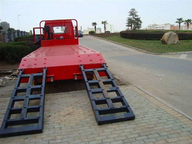 解放小三轴平板运输车