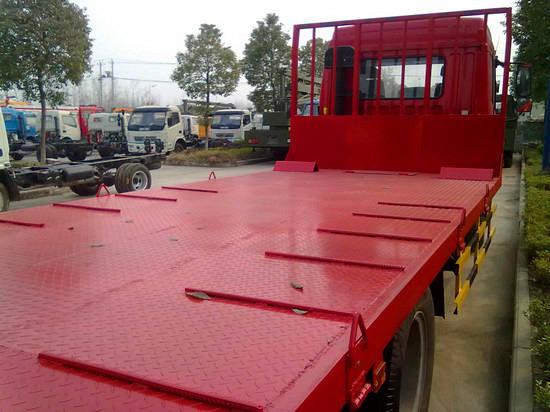 解放平板运输车平板部分特写