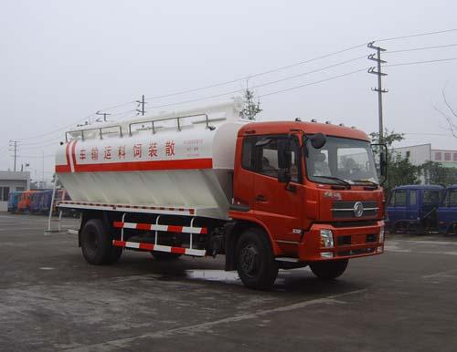 红色版的东风8吨散装饲料运输车