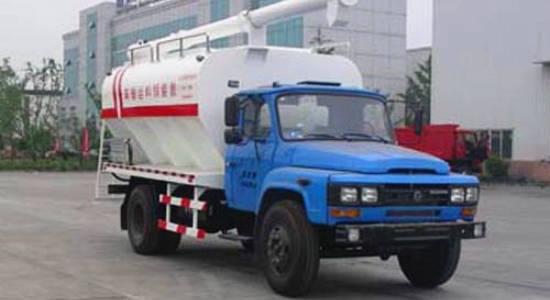 东风140散装饲料运输车正面图