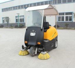 电动吸尘扫地车