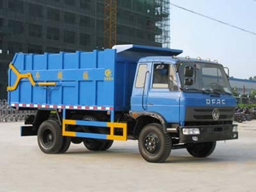 东风145对接式垃圾车出厂图片