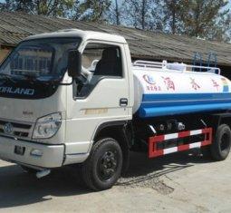 山东装饰集团在我厂定购福田3吨小型洒水车