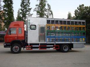 带房可装80箱的养蜂车(国四)