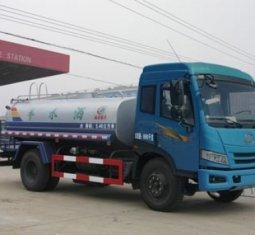 解放8吨洒水车(国四)