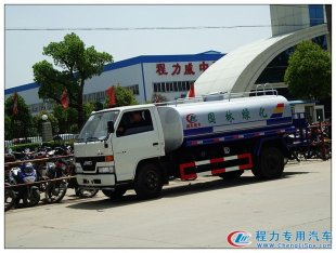 江铃5吨洒水车(国四)