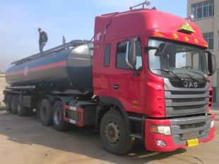 液碱硝酸钢衬塑槽罐车,化工运输车