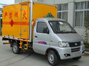 东风俊风0.42吨爆破器材运输车,爆破器材运输车
