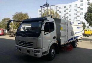 东风多利卡扫路车(尘厢5立方,水箱2立方),扫路车