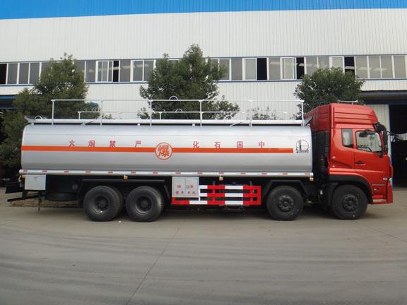 天龙25吨油罐车