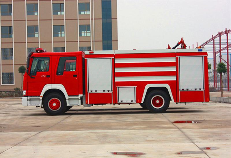 豪沃消防车 10吨消防车 泡沫消防车