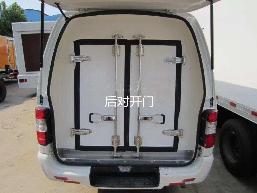 福田风景面包冷藏车后对开门