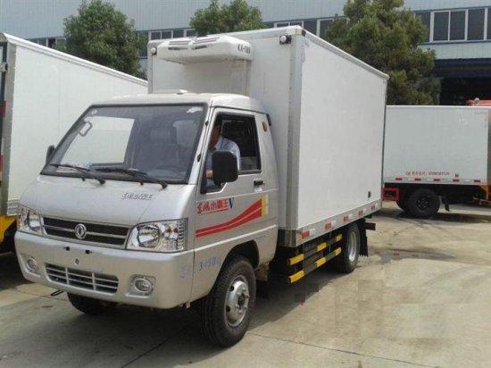 东风小霸王冷藏车(汽油)(3米厢长),冷藏车