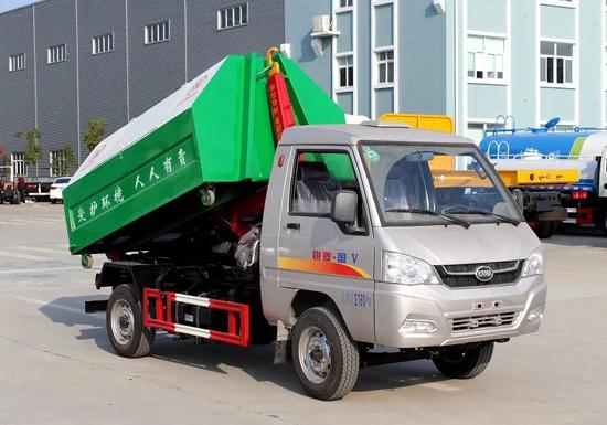 凯马勾臂式垃圾车(国五)