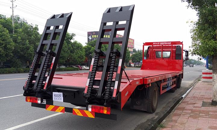 解放J6前四后四平板运输车