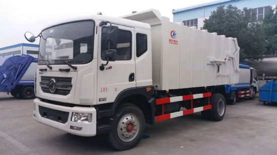 东风大多利卡D9压缩式对接垃圾车