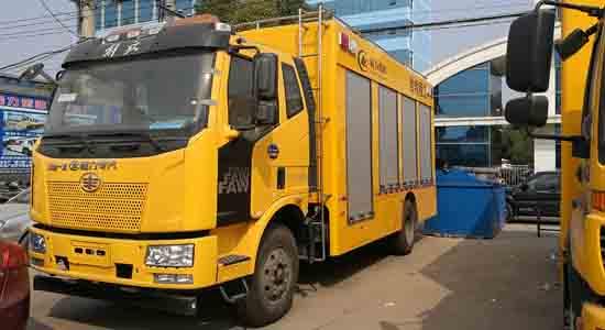 解放J6排涝抢险救援车