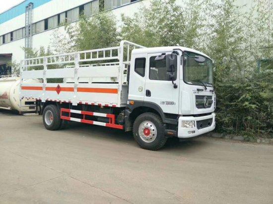 东风多利卡D9气瓶运输车(6.2米),气瓶运输车