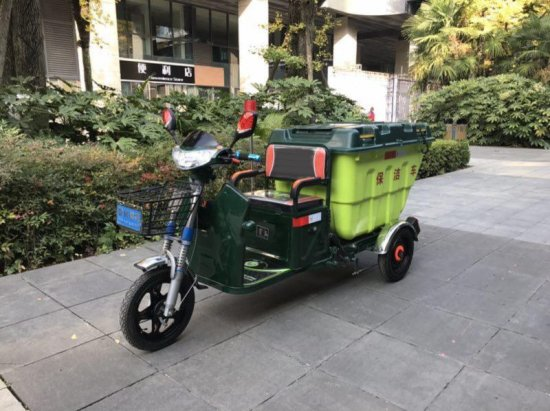 电动保洁车,密封式垃圾车