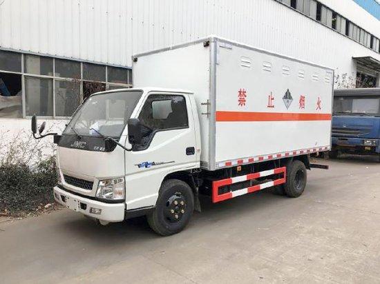 江铃杂项废旧电池厢式运输车(4.2米)