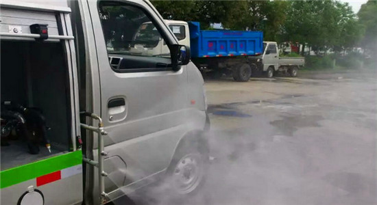 长安清洗车可选配有侧喷功能用于清洗公路边护栏及浇花等