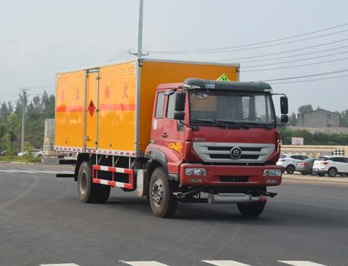 重汽斯太尔易燃气体厢式运输车(6.07)