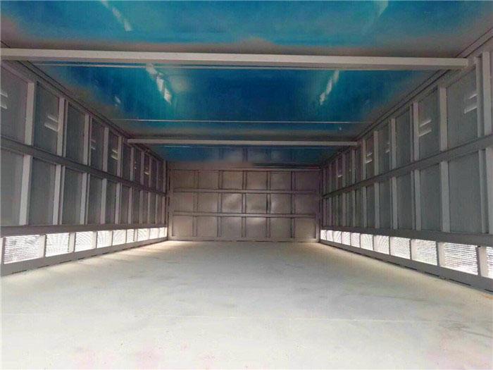东风天锦毒性气体厢式运输车厢体内部