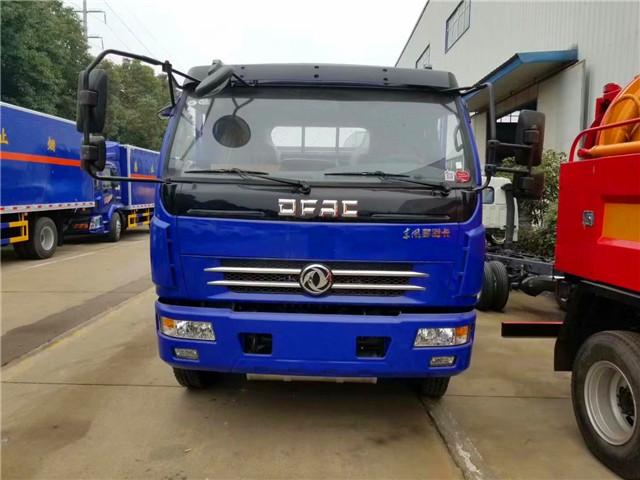 东风多利卡6.5米气瓶运输车驾驶室