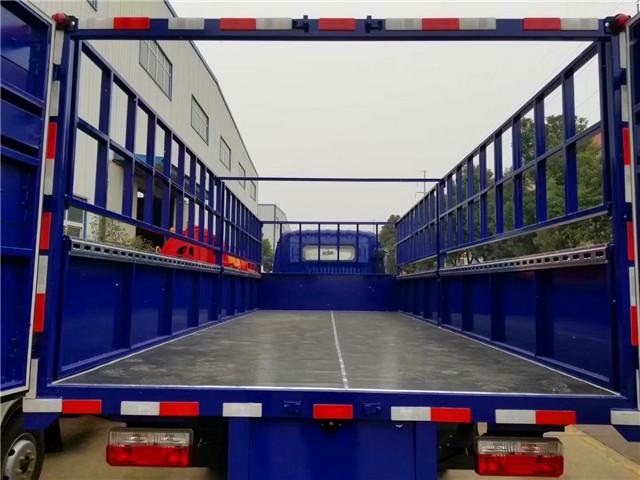 东风多利卡6.5米气瓶运输车厢内铺设静电