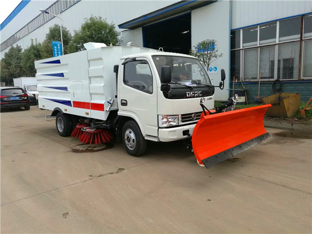 东风小多利卡扫路车可加装除雪铲用于铲雪作业