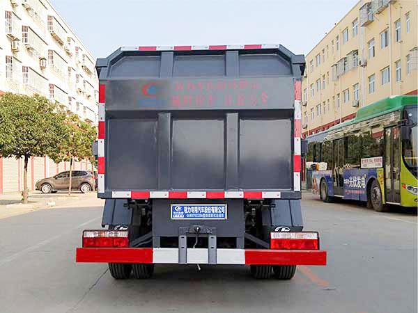 东风小多利卡侧装挂桶式压缩垃圾车