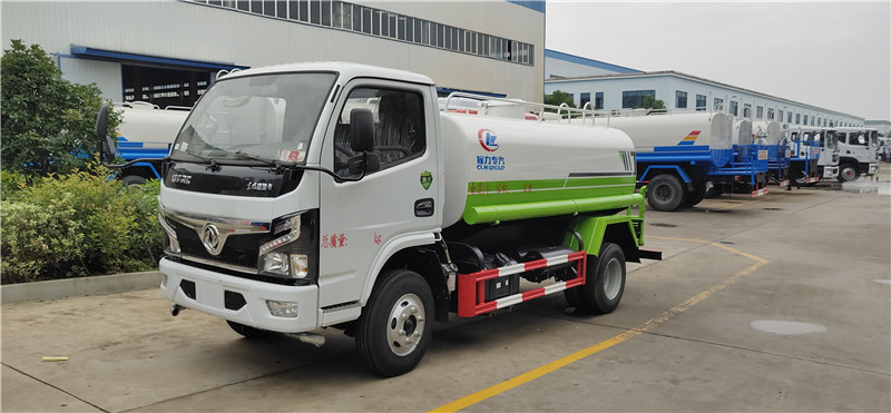 国六东风福瑞卡洒水车(5吨)