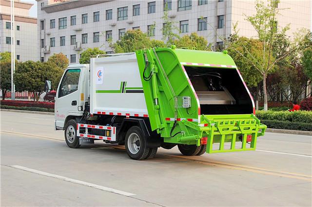凯马压缩式垃圾车图片