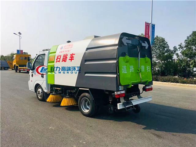 东风途逸国六小型扫路车图片