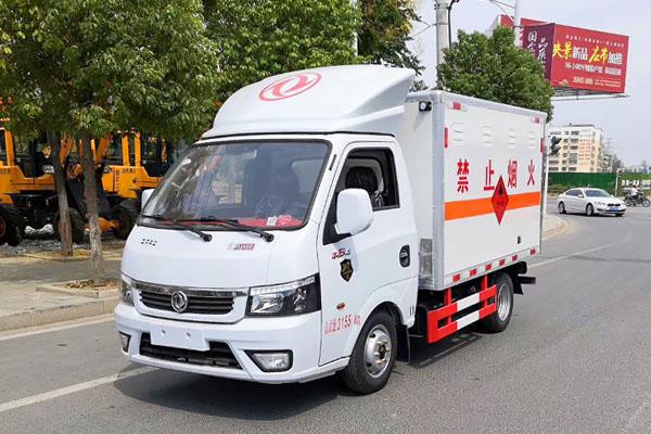 东风途逸易燃气体厢式运输车(3.1米)(国六),易燃气体厢式运输车