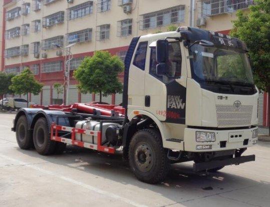 解放J6后双桥拉臂式垃圾车