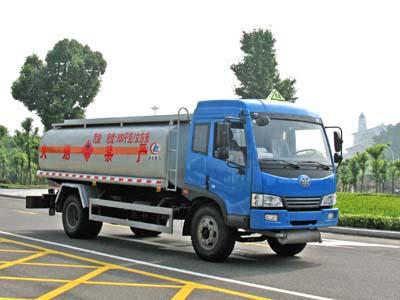 青岛解放赛龙10单桥油罐车