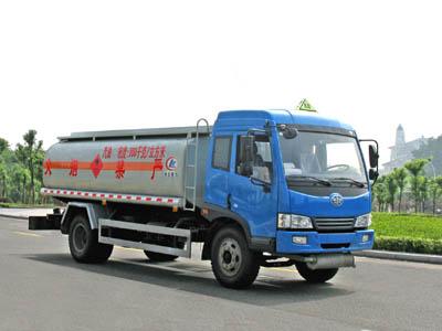 程力威牌CLW5165GYYC3型运油车