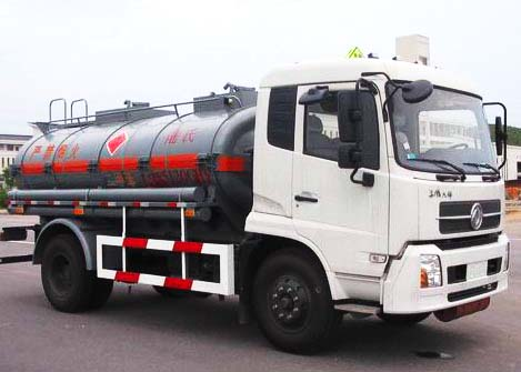 东风天锦化工液体运输车,化工运输车