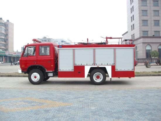 东风145水罐泡沫消防车(5吨),消防车
